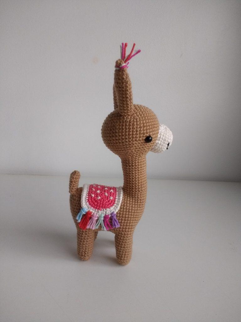 Llama de crochê - Amigurumi