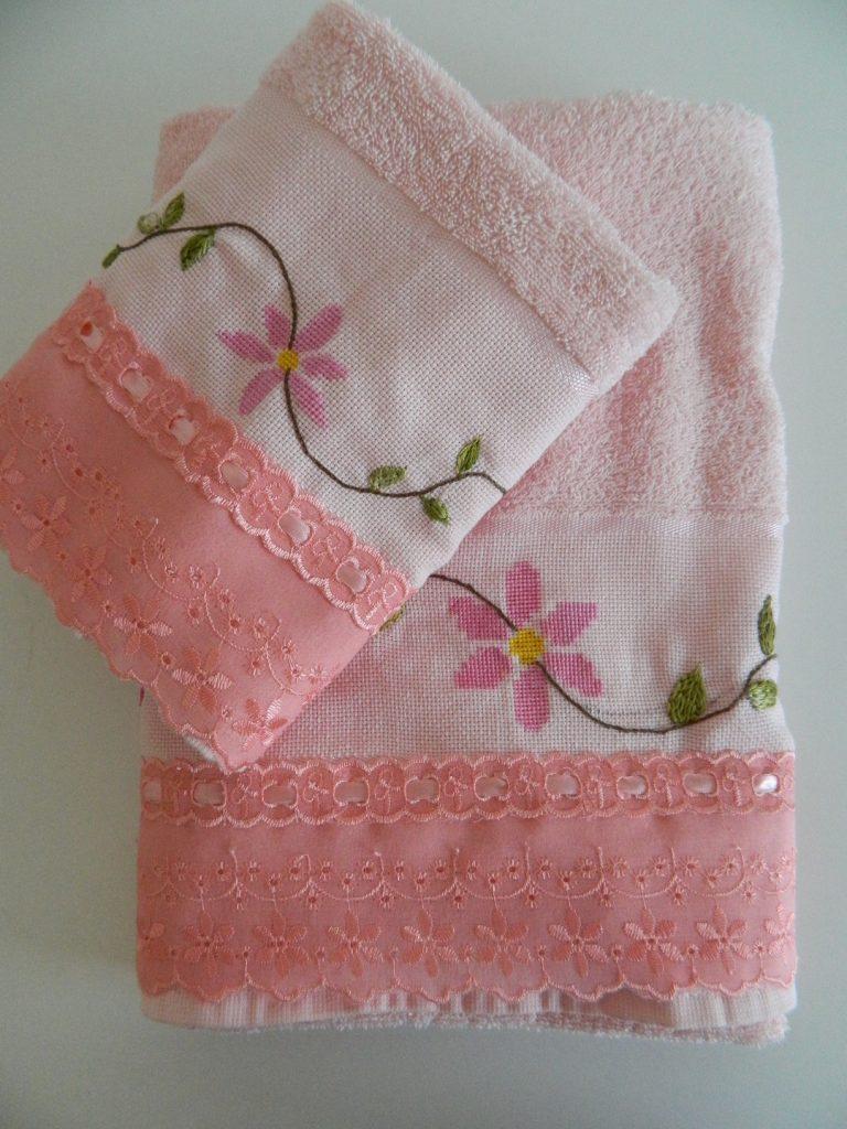 Conjunto toalhas bordadas